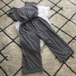 💕 Old navy striped jumpsuit sweatshirt material